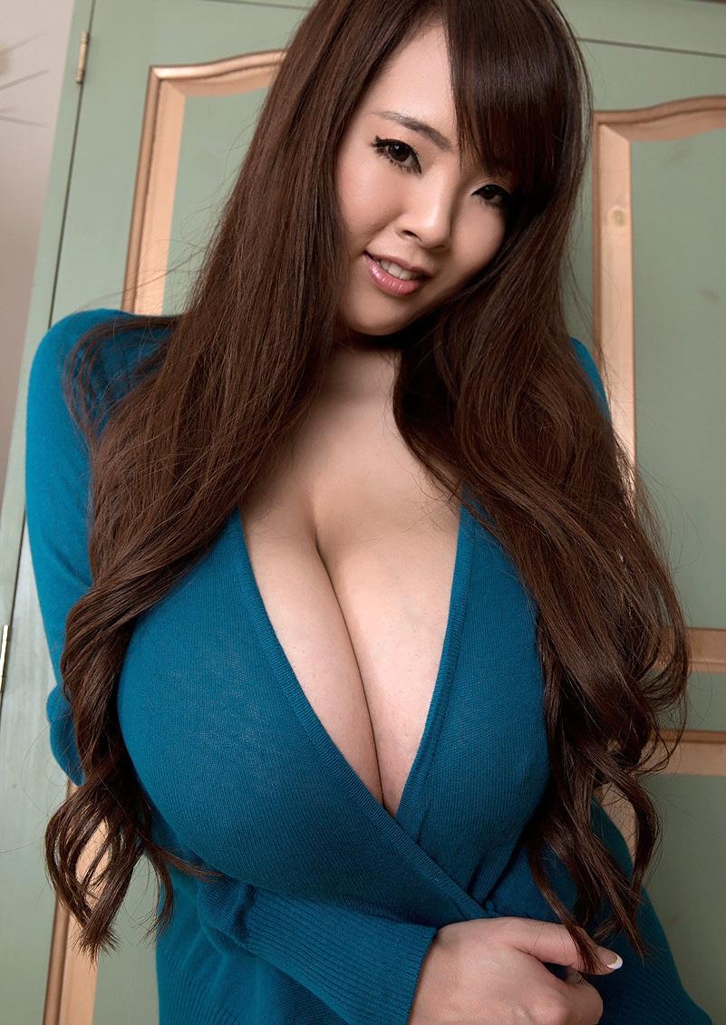 Фото огромных сисек Hitomi Tanaka
