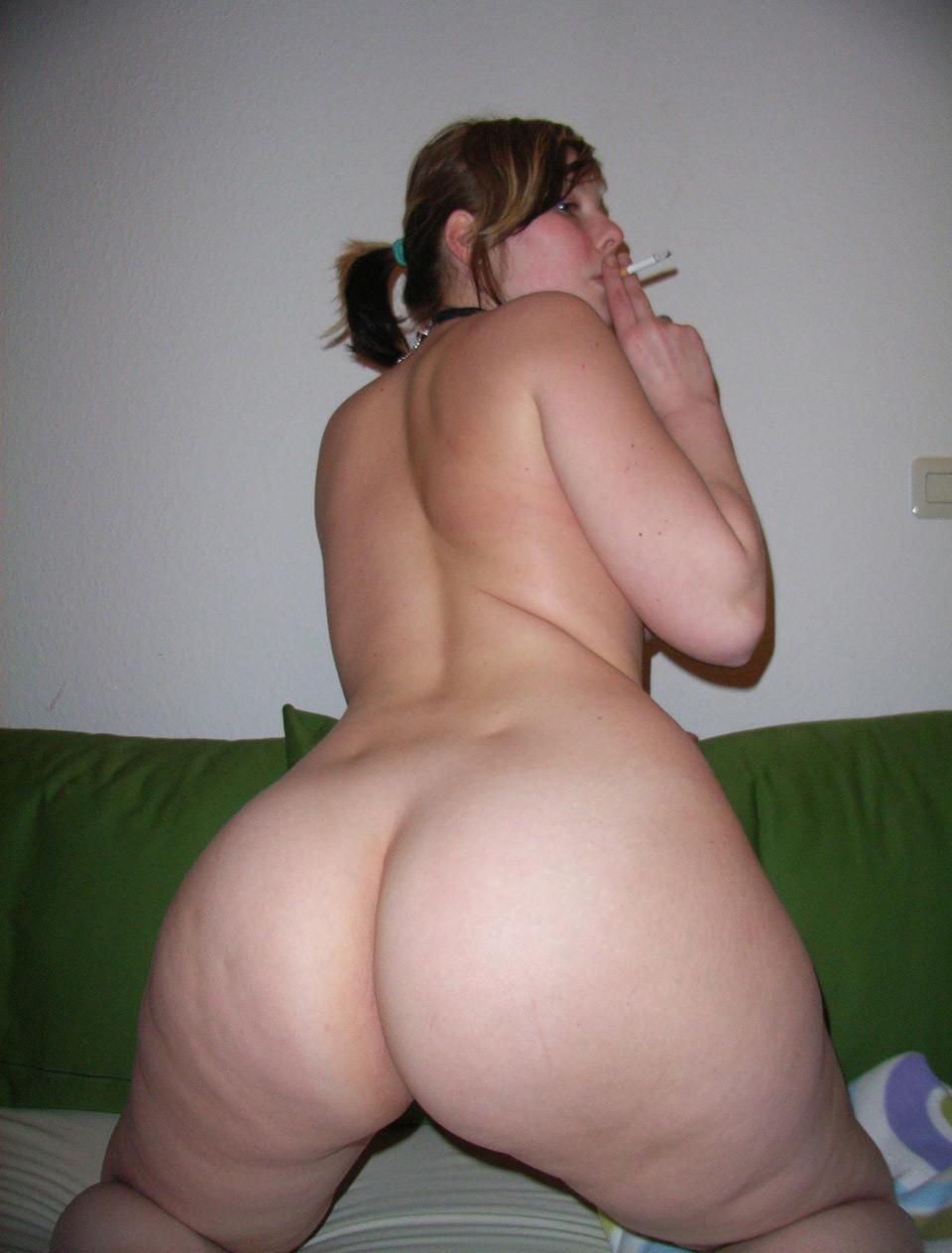 порно фото пухлая девушка с большим задом этом